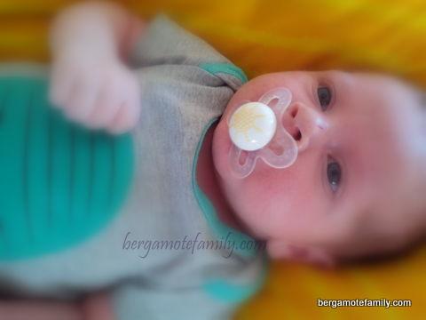 Bébé Bergamote et sa sucette MAM