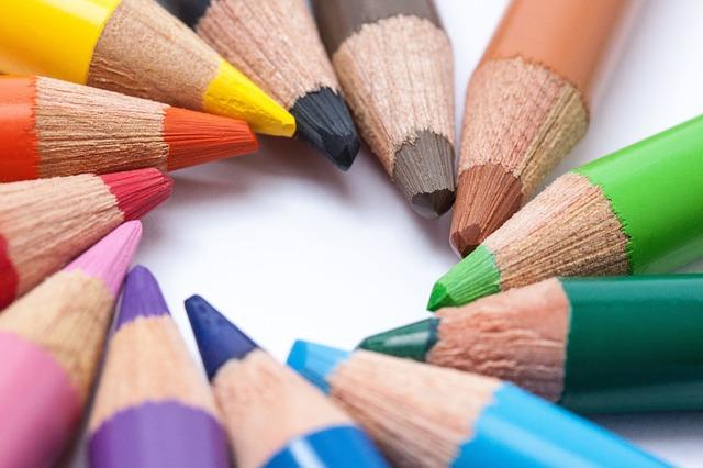 colored-pencils-374134_640