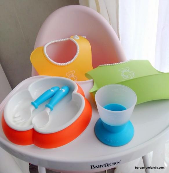 meilleures baskets d8801 5a443 Du pep's à table avec la vaisselle et les bavoirs Babybjörn
