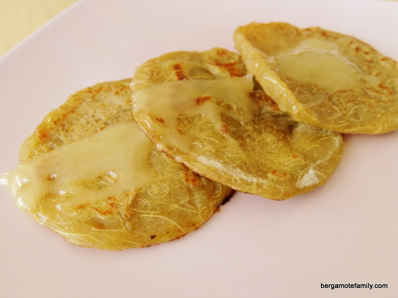 pancakes à la rhubarbe sans gluten lait oeuf - bergamote family (2)