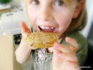 pancakes rhubarbe sans gluten lait oeuf - bergamote family (3)