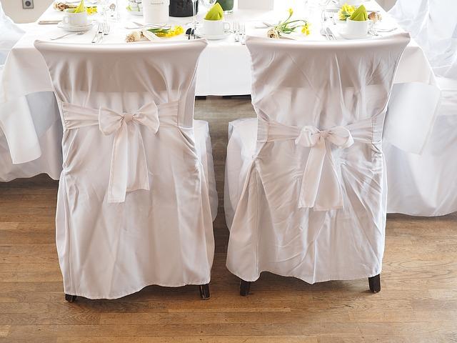 wedding-chairs-1174153_640