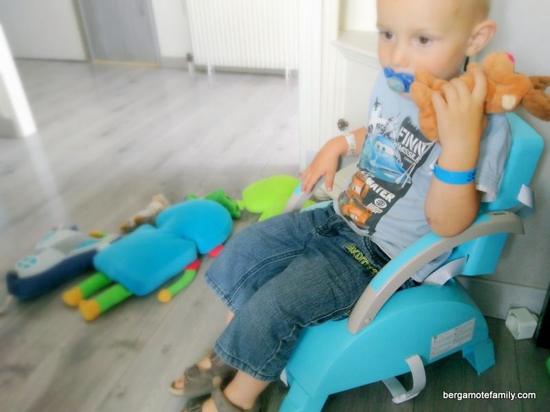 rehausseur de chaise petit fauteuil thermobaby - bergamote family (1)