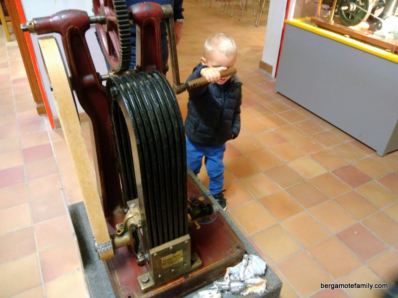 musee-electricite-de-bourgogne-hippolyte-fontaine-bergamote-family-2